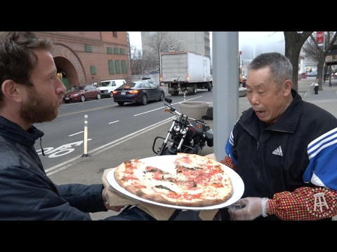 One Bite With Davey Pageviews - The Original Grimaldi's (Brooklyn)