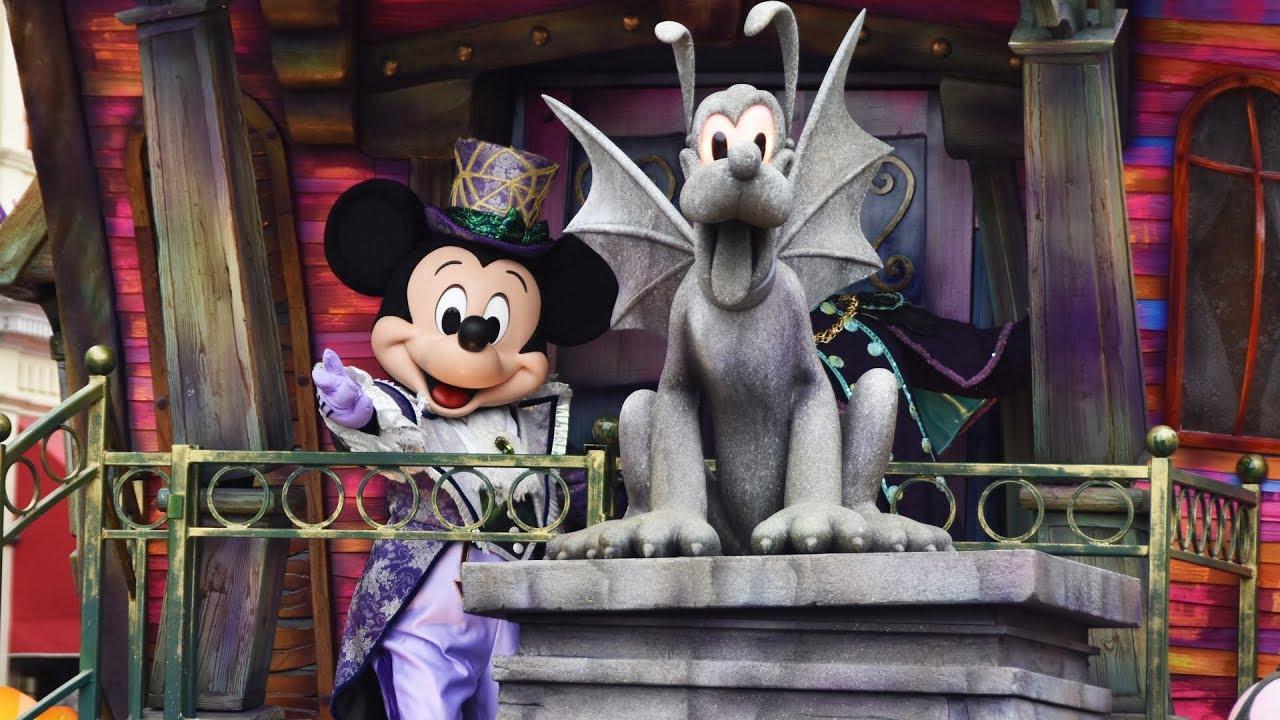 Mickeyu0027s Halloween Celebration Parade Disneyland Paris 2018 W/ NEW Illusion  Manor Float MULTI ANGLE