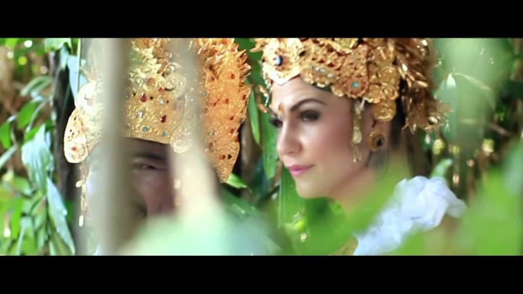 Download Guswin & Haylee's Balinese Pre Wedding Video