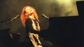 Tori Amos iieee + Band On The Run - Amazing Live Version - Lowell 1998 - HQ