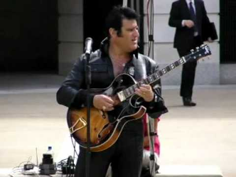Baby what you want me to do - Elvis Shmelvis, live in Paternoster Square 2010
