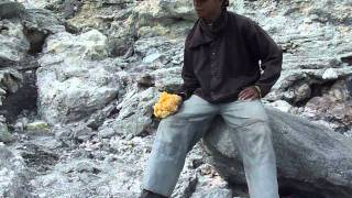 Sulfur crater volcano Kawah Ijen 7-8-2010 East Java Indonesia HD720p-adjaudio-map
