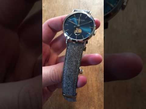 METROPOLITAN AUTOMATIC - BLUE OPEN-HEART Rossling And co. Tanned leather strap light grey.