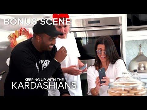 Kourtney Kardashian Accidentally Snapchats From Friend's Phone!