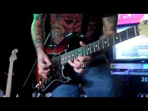 Gary Hoey at Richs Music Exchange demos G-DEC part 2