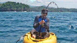 PEIXES GIGANTES DO MAR!!! Pesca com molinete e isca artificial.