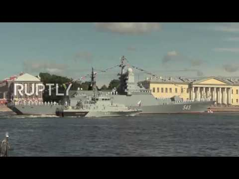 Russia: For the first time ever St. Petersburg's bridges lift in daylight for Navy Day rehearsals