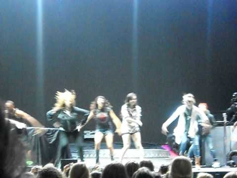 Camp Rock 2 Dancers at Soundcheck in Cleveland, Ohio 8/31