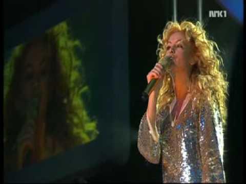 Paulina Rubio - Ni Una Sola Palabra & Beautiful Lie (Nobel Peace Prize Concert 2006)