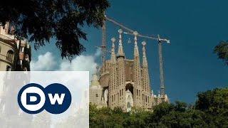 Барселона достроит храм Гауди(В Барселоне началась заключительная фаза строительства башен базилики Саграда Фамилия. Возведение храма..., 2015-10-24T14:51:05.000Z)