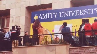 Aditya Roy Kapoor & Katrina Kaif's Dance performance on pashmina at Amity University