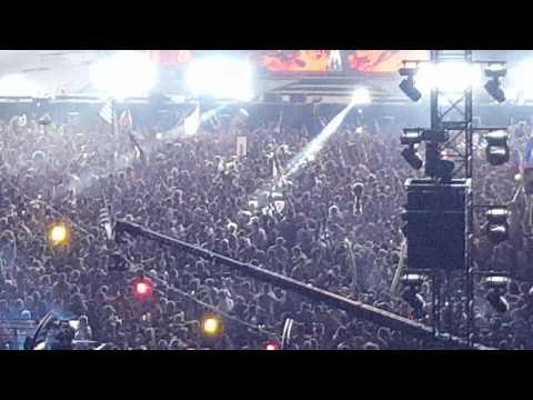 Flosstradamus EDC 2015 Massive Mosh Pit