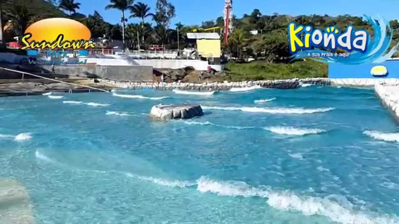 Kionda piscina de ondas do sundown park youtube for Piscina onda
