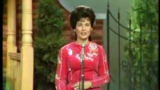 "loretta lynn ""where no one stands alone"""
