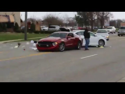 Mustang Crashes leaving Cars and Coffee Chicago