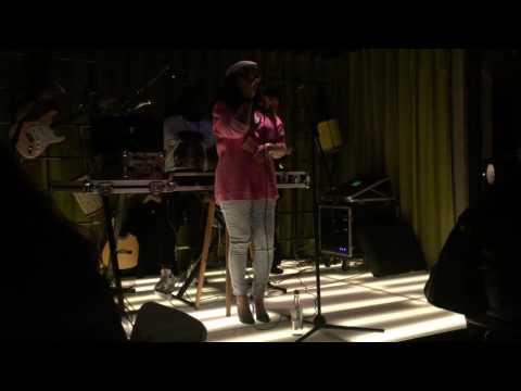 Youtube: Assia – Le Prix Pour T'aimer (Live au Mama Shelter)