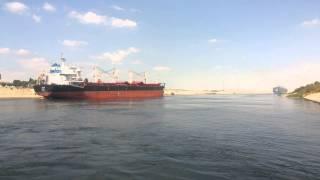 قناة السويس الجديدة : السفن العابرة ومعدية نمرة 6وعمال القناة عليها