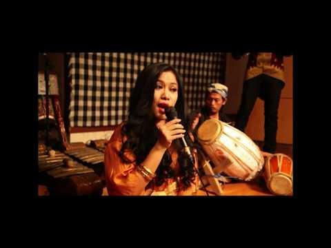 Bajing Luncat (Sol Project video clip).mpg