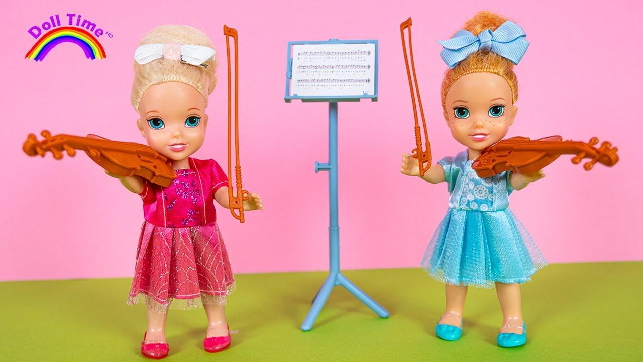 MUSIC Class - Elsa and Anna Learn the VIOLIN - Barbie teaches Music ??