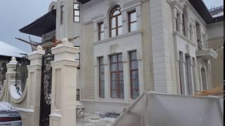 видео Отделка фасада декоративным камнем, наружная отделка дома, виды декоративных камней