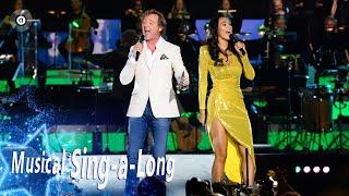 Opening Musical Sing-a-Long: Frits Sissing & Romy Monteiro zingen Do-Re-Mi