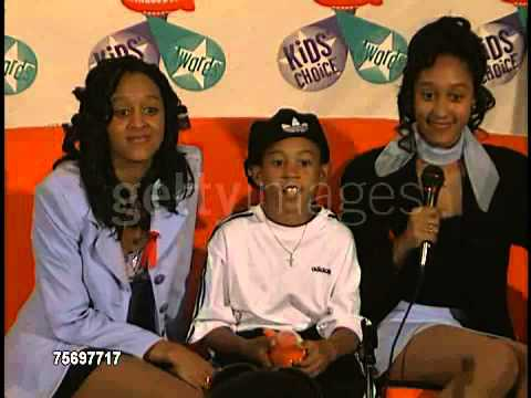 Tia & Tamera mowry interview at the 1997 Nickelodeon Kids' Choice Awards press room on Apr 19, 1997