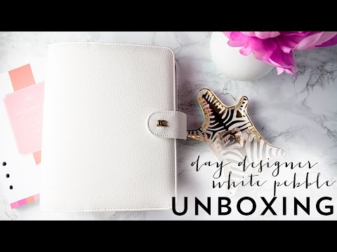 Day Designer White Pebble Planner Unboxing, First Impression and Review