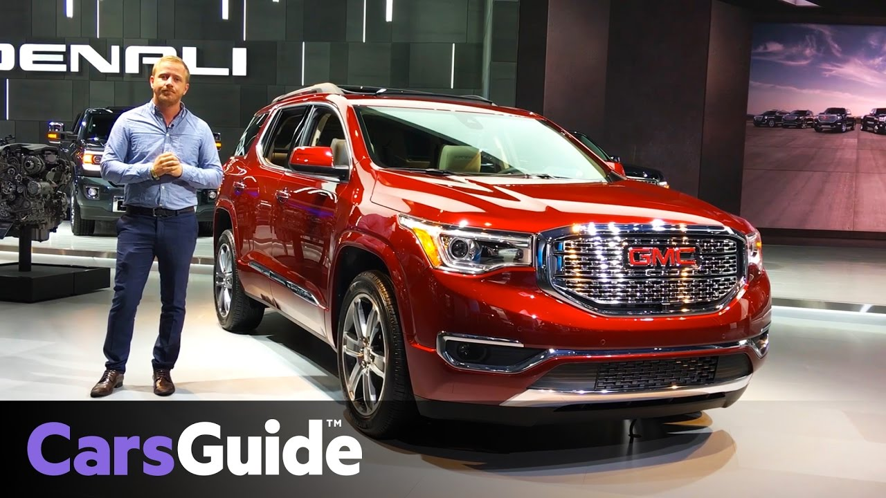 2018 GMC Acadia 7-seat SUV up close at the Detroit motor ...