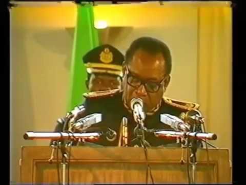 Mobutu sese Seko tire les conclusions:   Discours sur la dèmocratisation   Nsele 24 avril 1990
