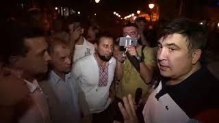 Саакашвили проехал 900 км, чтобы пожать руку капеллану Игорю Петренко