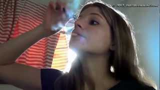 vuclip smoking putting makeup on - thegirlsmoking