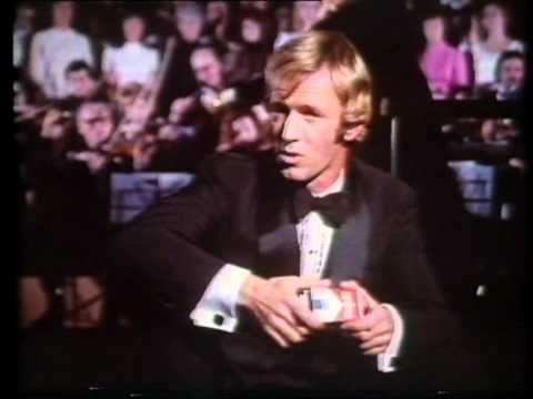 Winfield Red cigarettes with Paul Hogan (Australian ad, 1970's)