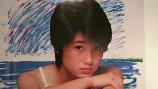角川三人娘に囲まれる、夢の特設コーナー http://www.museum.or.jp/modu...