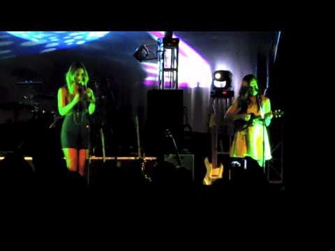 Music Farm - Bianca & Page