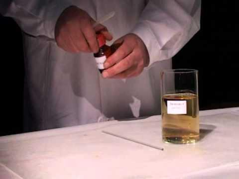 Выделение света   признак химической реакции свечение люминола