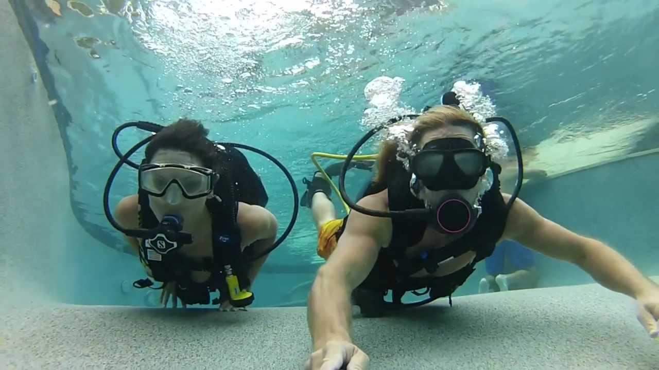 How The GoPole And Floaty Door Behave Underwater