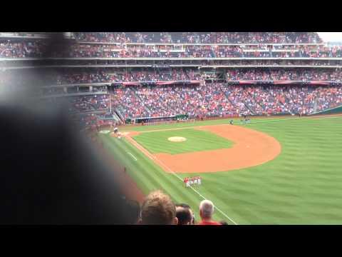 DC Washington sings the national anthem