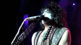"""KISSONLINE EXCLUSIVE: """"ROOM SERVICE"""" live from the KISS KRUISE"""