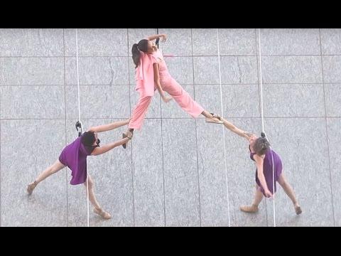 Shraddha Kapoor Dangerous Stunt | launch of Lakme 9 to 5 Weightless Foundation | Viralbollywood