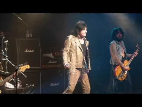 LA Guns - Speed - Frontiers Rock Festival...