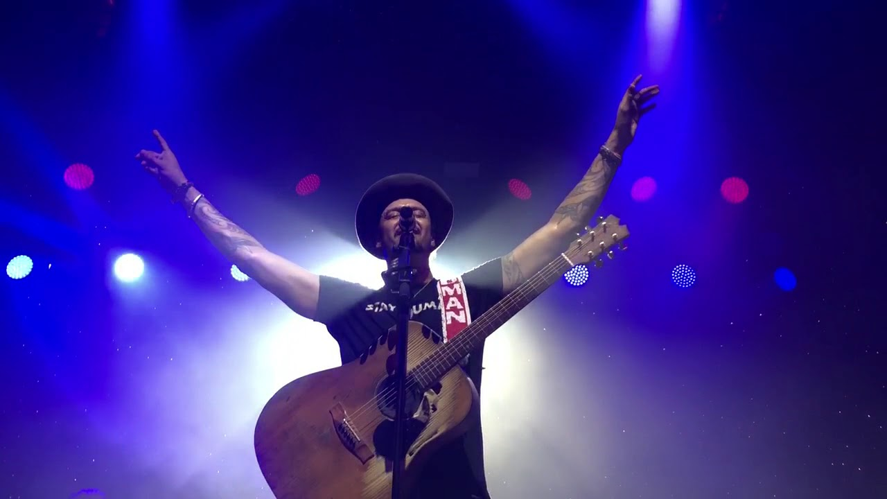 "Michael Franti & Spearhead - ""Stars On The Darkest Night"" New Song!"