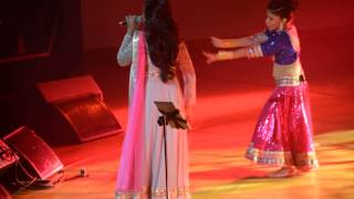 Gambar cover Nagada Sang Dhol - Shreya Ghoshal Concert - Austin