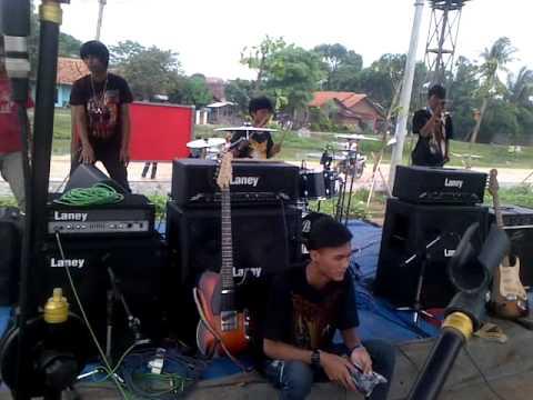 Boneka Bernyawa-Pusaka Nagara live @ sadulur sauyunan part 2 (KARAWANG)