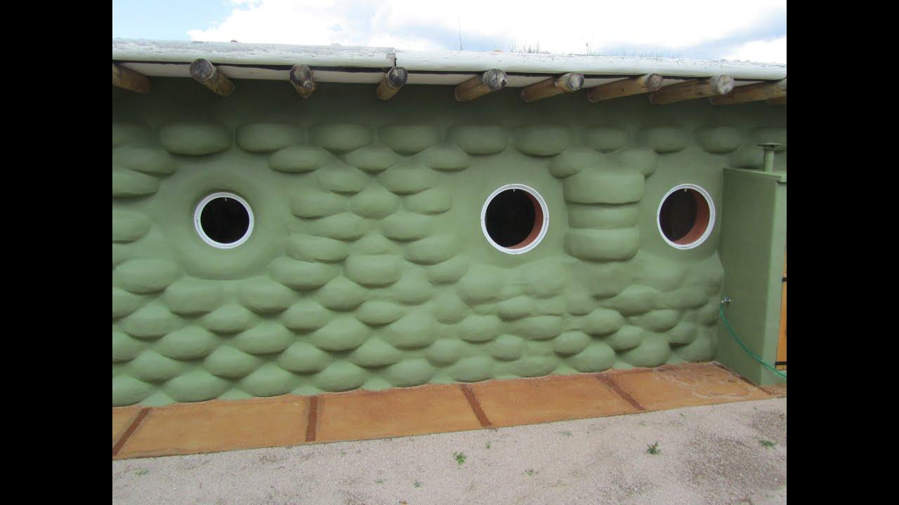Como se hace una casa de neumticos Building Earthship  YouTube