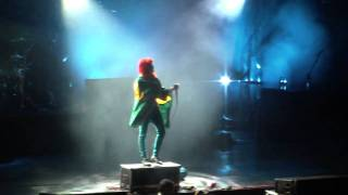 Paramore (Live) -  Feeling Sorry (final) / That
