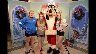 Walt Disney World Vacation December 2017: Day 8 Part 2-Minnie's Holiday & Dine