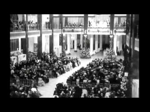 The Queen Mother opens the Lloyd's building in 1957
