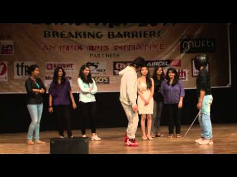 Vidyut Jamwal Teaching Self Defense To Young College Girls Part 2