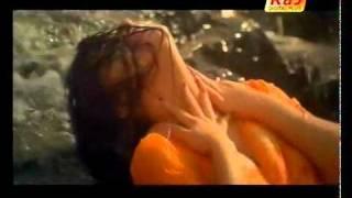 YouTube - Tamil hot wet song - kadavul movie.flv