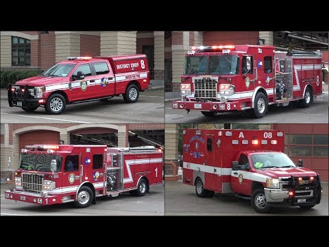 [NEW] Houston Fire Engines 1, 8, District 8 and Ambulance 8 responding